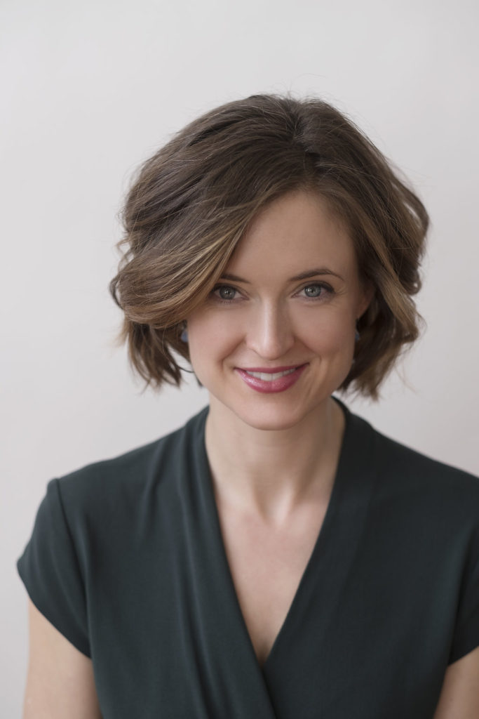Katherine de Vos Devine is a legal speaker